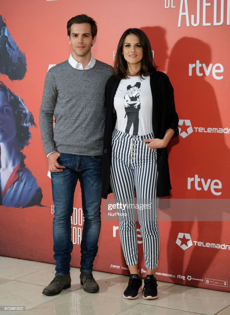 ¿Cuánto mide Melina Matthews? - Altura The-actors-marc-clotet-and-melina-matthews-attend-the-prersentation-picture-id672581322