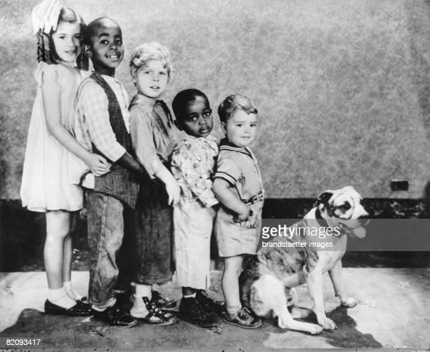 The actors of the filmserial 'Our Gang' America Hollywood Photograph Around 1930 [Die Darsteller der FIlmserie 'Die kleinen Strolche' Amerika...