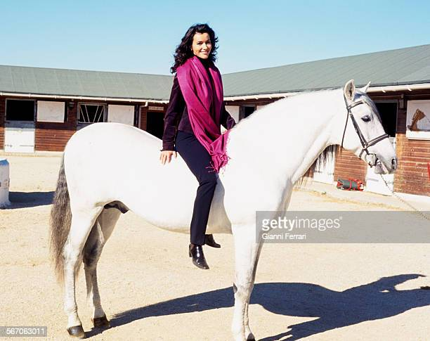 The actress and TV presenters Arancha del Sol practicing horse riding, 25th November 1998, Madrid, Spain. .