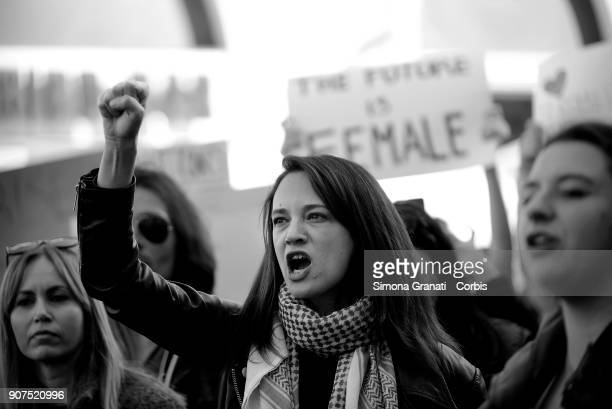 The actress Asia Argento that denounced Harvey Weinstein for rape demonstrates against violence and against Trump in solidarity with American women...
