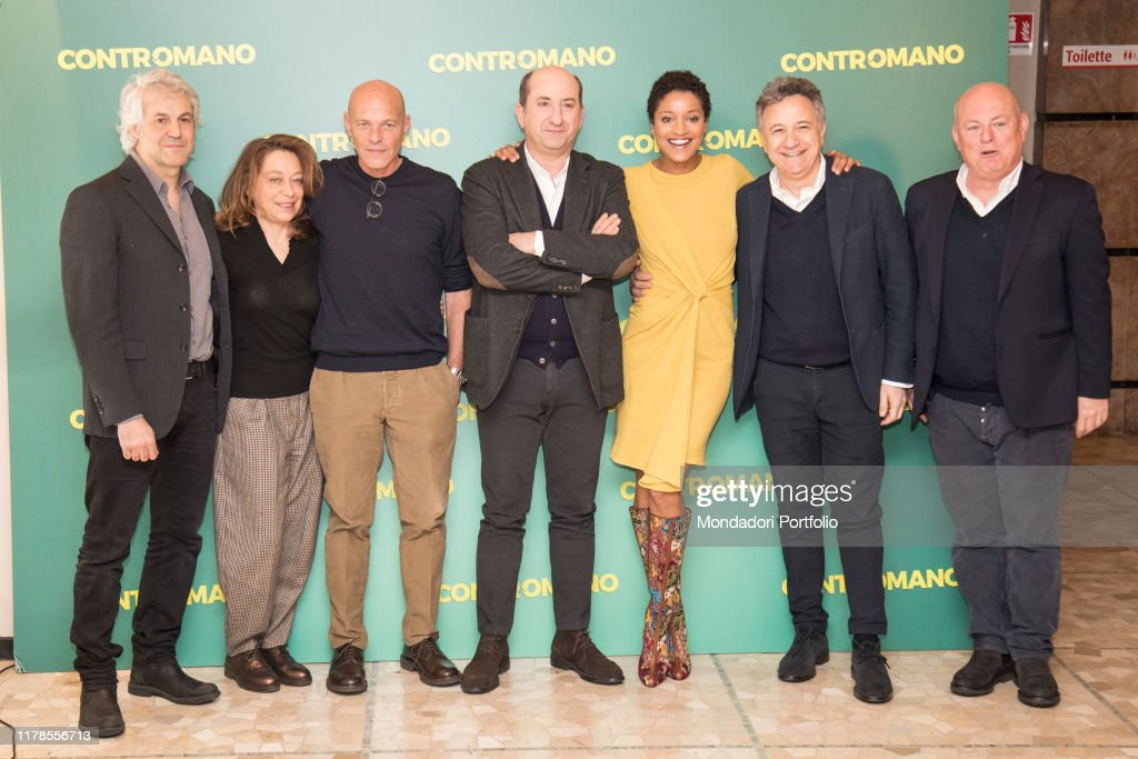 The production team of the movie Contromano with Antonio Albanese and Aude Legastelois : News Photo