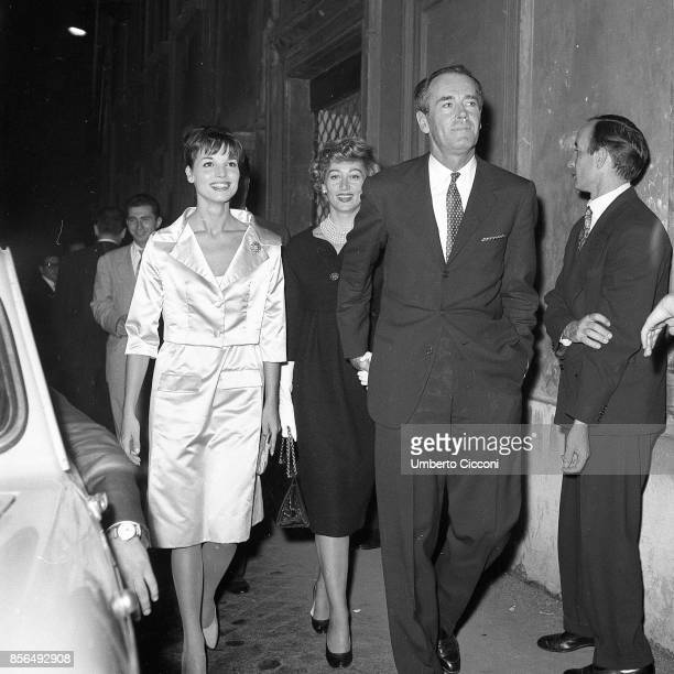 The actress Elsa Martinelli is with the American actor Henry Fonda and a few friends They are going to 'Sistina Theater' Rome 1958