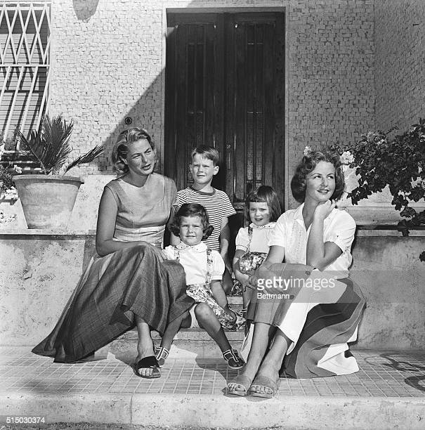 The actress Ingrid Bergman at her Italian villa with her childen Robertino Rossellini twins Isotta and Isabella Rossellini and Pia Lindstrom