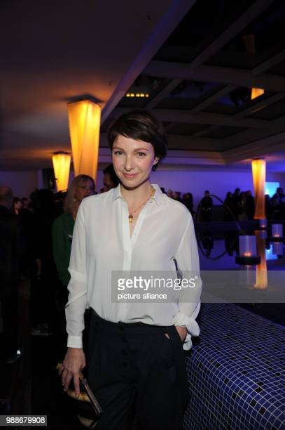 The actress Julia Koschitz smiles at the traditional Advent meal of the ARD at the Bayerischer Hof in Munich Germany 08 Germany 2017 Photo Ursula...