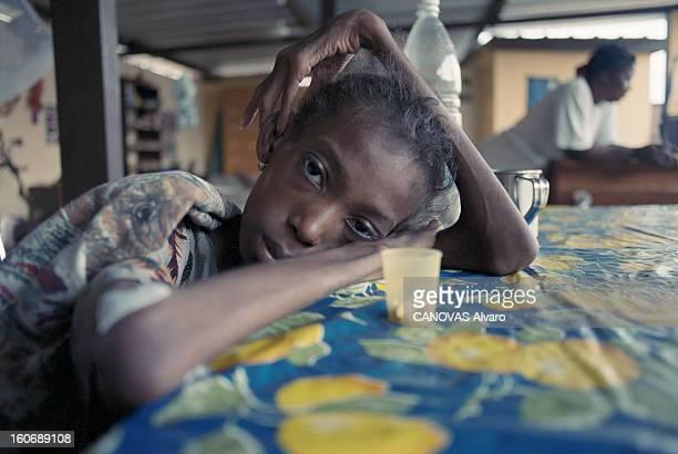 The Aids Epidemic In West Africa Le Centre de l'Espoir fondé par Lotti LATROUS dans le bidonville d'ADJOUFFOU aux portes d'Abidjan en COTED'IVOIRE...