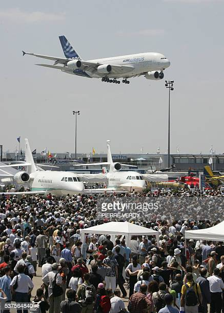 The Airbus A380 prepares to land in front of the crowd 18 June 2005 at the 46th International Paris Air Show at Le Bourget airport AFP PHOTO PIERRE...
