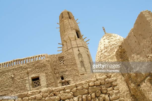 the al qasr mosque, ayyubid dynasty era, dakhla, egypt - argenberg stock pictures, royalty-free photos & images
