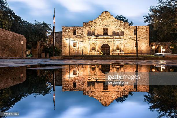 the alamo, san antonio, texas, america - san antonio texas stock photos and pictures