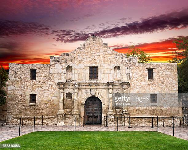 the alamo, san antonio, tx - san antonio texas stock photos and pictures