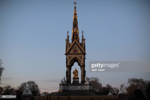 The Albert Memorial stands in Kensington Gardens on November 24 2017 in London England The American actress Meghan Markle will live at Nottingham...
