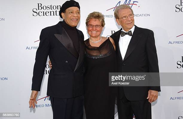 The Alfred Mann Foundation's 2nd Annual Evening of Innovation and Inspiration honored Larry King and was hosted by Ryan Seacrest Saturday evening at...