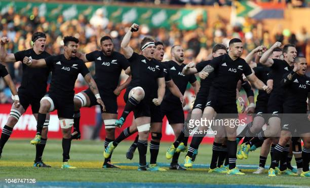 The All Blacks perform the Haka during the Rugby Championship match between South Africa Springboks and New Zealand All Blacks at Loftus Versfeld...