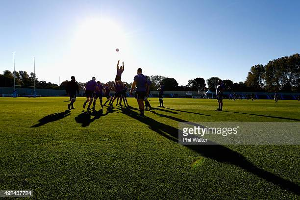 The All Blacks practice the lineout during a New Zealand All Blacks training session at the Swansea University on October 13 2015 in Swansea United...