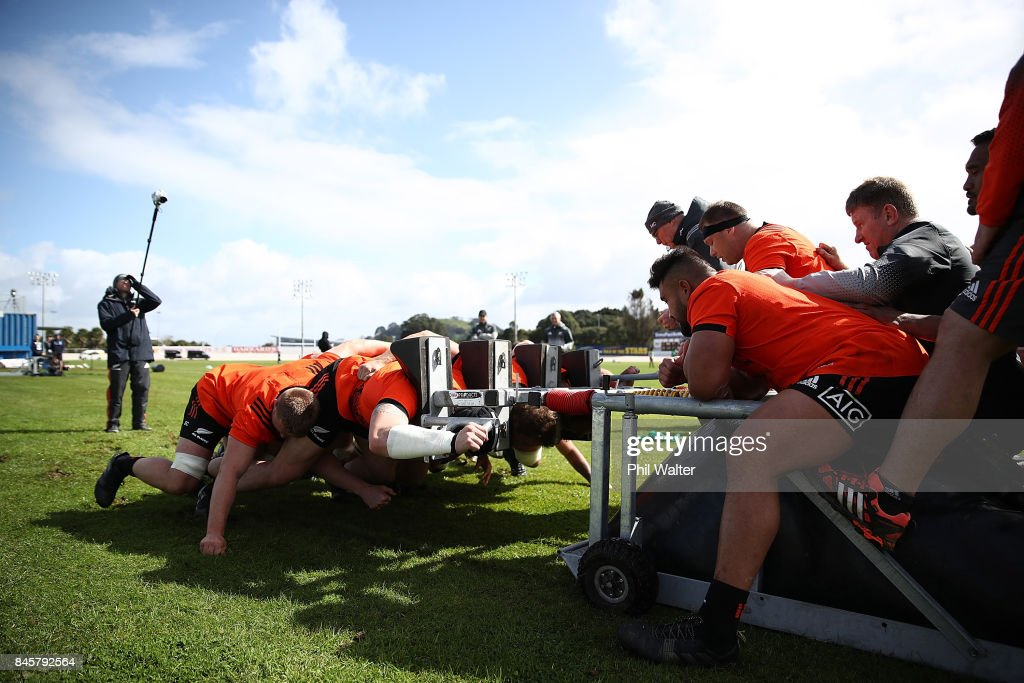 The All Blacks practice the scrum during a New Zealand All Blacks training session at Alexandra Park on September 12, 2017 in Auckland, New Zealand.