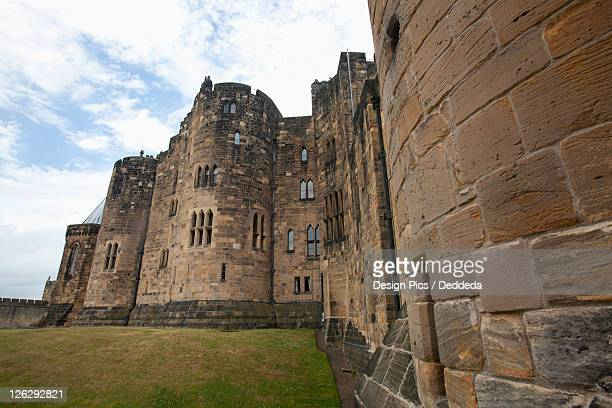 the alnwick castle, most famously known as hogwarts castle in the harry potter series - alnwick castle stock photos and pictures