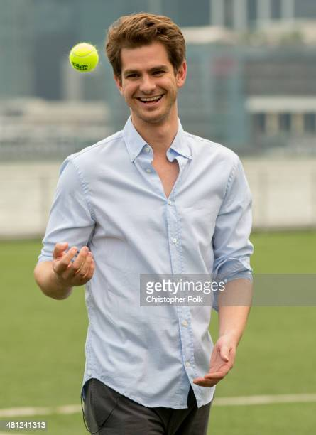 'The Amazing SpiderMan 2' stars Andrew Garfield and Jamie Foxx engage in a game of cricket with celebrity host Samir Kochhar for India's massively...