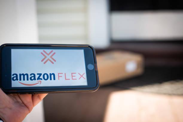 NY: Amazon Flex Illustrations As Bezos Sells $2.5 Billion In Stock