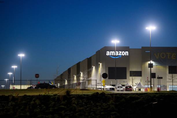 the amazoncom inc bhm1 fulfillment center is seen before sunrise on picture id1232001976?k=20&m=1232001976&s=612x612&w=0&h=Uk1YUA CD