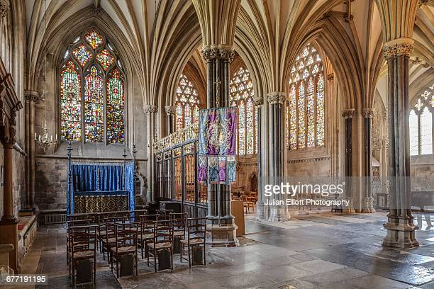 the ambulatory in wells cathedral. - lancet arch stock pictures, royalty-free photos & images