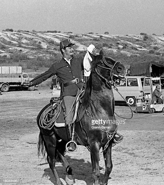 The American actor Robert Taylor during the filming of the movie 'Wild Pampa' Almeria Spain