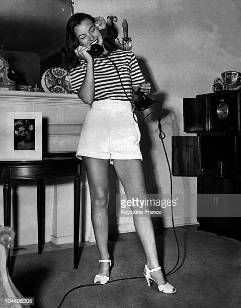 The American actress ELLA RAINES talking on the phone in Hollywood on September 3 1946