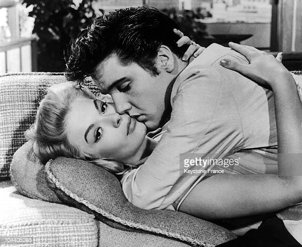 The American actress Jennifer HOLDEN and the American singer/actor Elvis PRESLEY shooting a scene from the movie musical JAILHOUSE ROCK