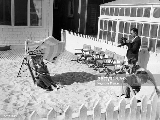 The American Actress Joan Bennet During A Photo Session At Her Villa In Malibu On June 22 1932