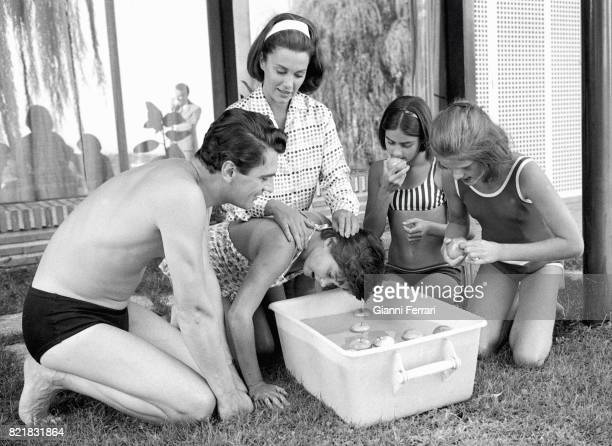The American actress Linda Christina whit her husband the American Actor Edmund Purdom and her daughters Romina and Taryn Madrid Spain