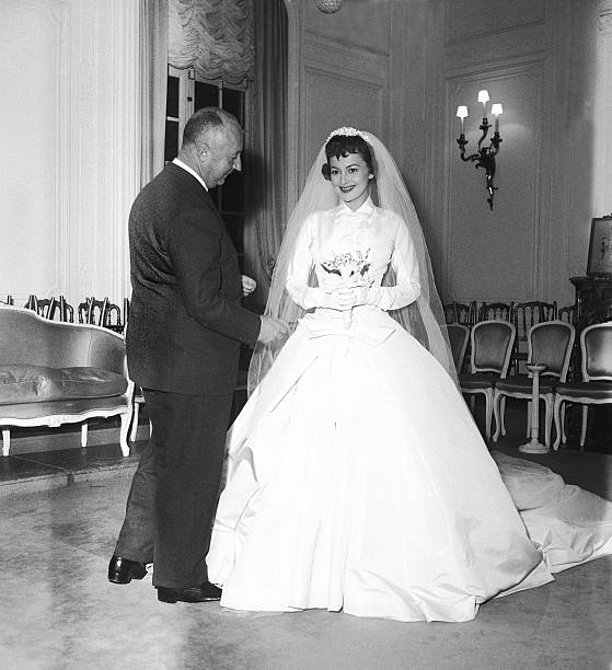 Olivia de Havilland Wearing A Christian Dior Wedding Dress, 1955 ...
