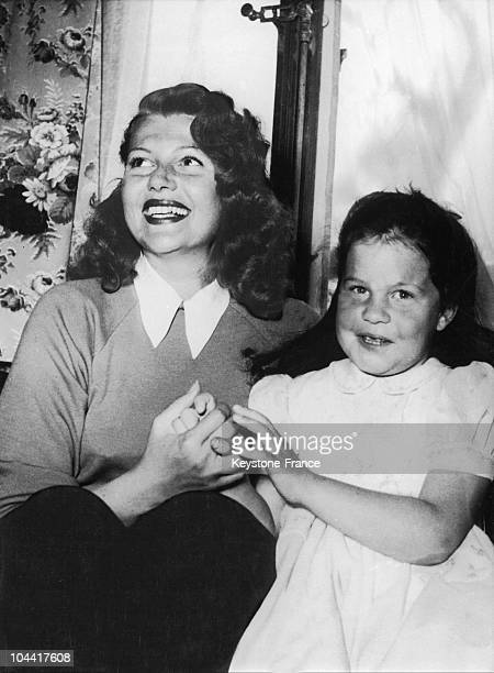 The American actress Rita HAYWORTH with her daughter Rebecca whom she had with Orson WELLES in their chalet in Gstaad Switzerland on March 24 1950