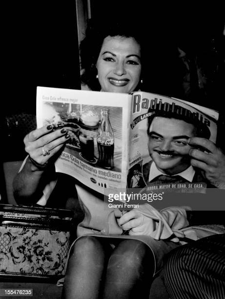 The American actress Yvonne de Carlo in Barajas Airport Madrid Castilla La Mancha Spain Photo by Gianni Ferrari/Cover/Getty Images