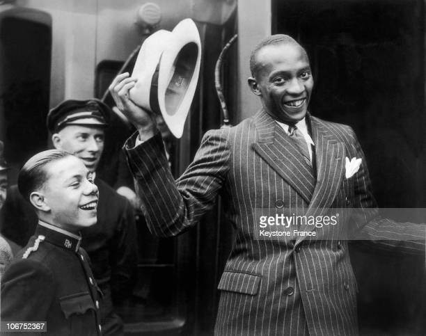 The American Athlete Jesse Owens At London'S Waterloo Train Station On August 19 1936 After His Success At The Olympic Games Of Berlin The Athlete...