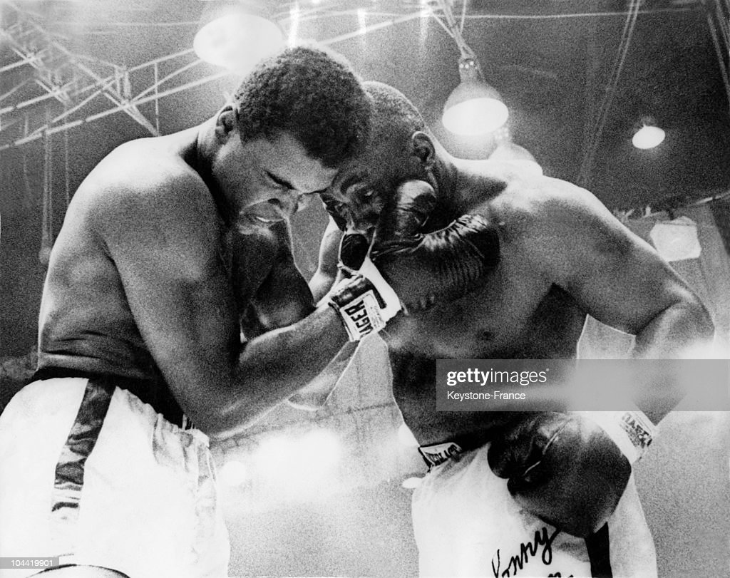 The Cassius Clay Vs Sonny Liston World Championship Fight In 1964 : News Photo