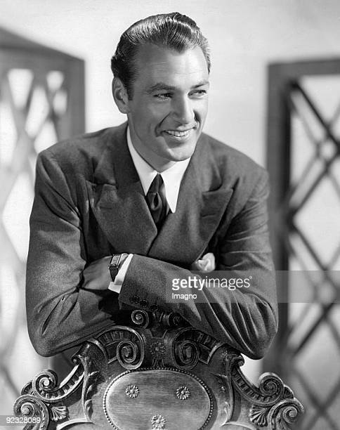 The American film actor Gary Cooper. Photograph. Around 1934.