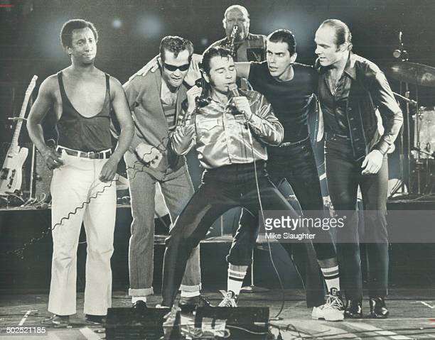 The American rock 'n' roll revival show; Sha Na Na last night gave 14;000 folks a good time at the Forum