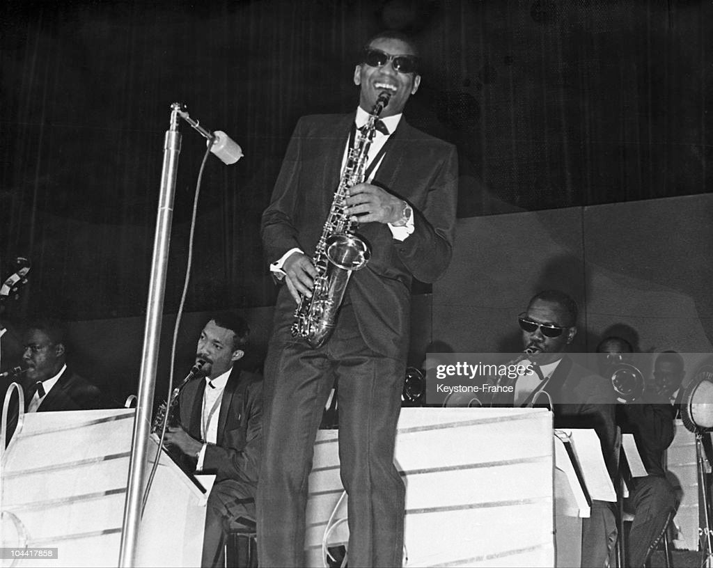 Ray Charles Playing The Saxophone Onstage 1963 : News Photo