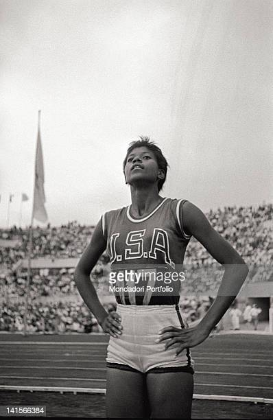 wilma rudolf Wilma glodean rudolph (june 23, 1940 – november 12, 1994) was an american track and field sprinter who competed in the 100 and 200 meters dash rudolph was acclaimed the fastest woman in the.