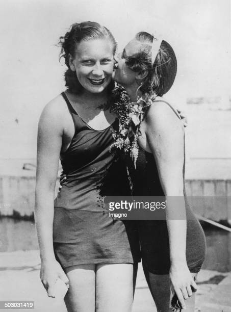 The American swimmers Helene Madison and Eleanor Holm. Long Island. 24th July 1932. Photograph.