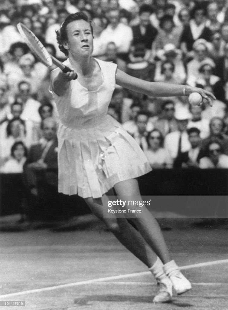 The American tennis player Maureen Connolly wins the women's single final of wimbledon championship, in England July 4, 1953.
