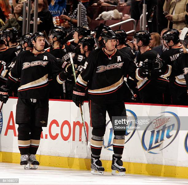 The Anaheim Ducks celebrate a second period goal from teammate Chris Pronger during the game against the Phoenix Coyotes on January 4, 2009 at Honda...