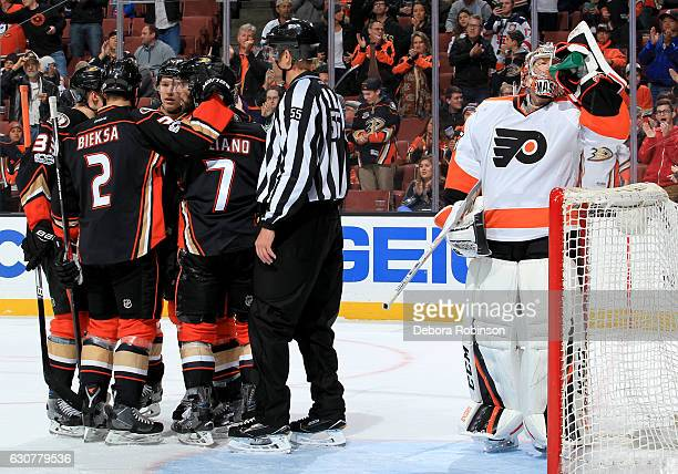The Anaheim Ducks celebrate Ryan Kesler's second goal of the first period against the Philadelphia Flyers on January 1 2017 at Honda Center in...
