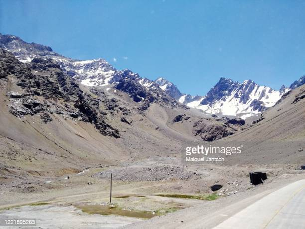 the andes, andes mountains, andean mountains or cordillera de los andes - santiago chile stock pictures, royalty-free photos & images