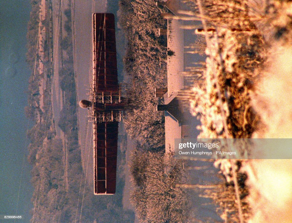 The Angel of the North gets its first covering of snow and