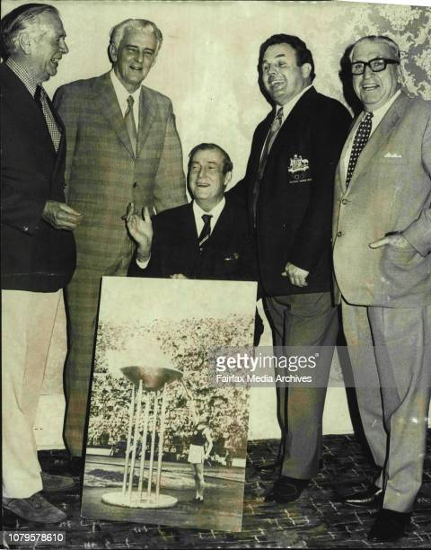 The annual reunion for the 1952 Olympic Games representatives and officials was held at Coogee tonight Sid Grange Vice President of the Australia...