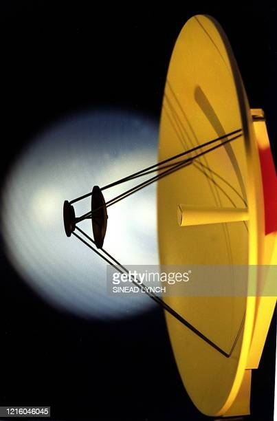 The antenna of a model of the European Space Agnecy's 'Rosetta' orbiter on display at the Royal Society in London 01 July 1999 ESA is preparing the...
