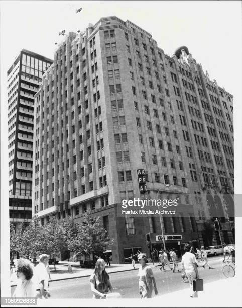 The APA Building in Elizabeth Street scene of today fall by a window cleanerHe toppled from a 12 storey window landing on the curve in Elizabeth...