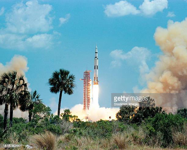 the apollo 16 space vehicle is launched from kennedy space center. - nasa kennedy space center stock pictures, royalty-free photos & images
