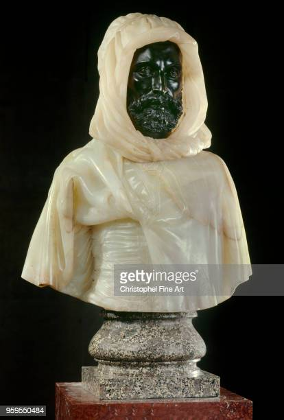 The Arabic of Aguat Burnous bust Onyx and bronze with pedestal porphyry of the Vosges 1857 Cordier Charles Orsay Museum France East