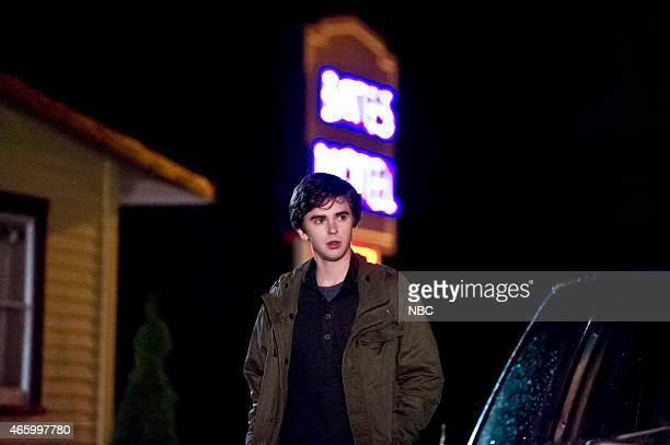 MOTEL 'The Arcanum Club' Episode 302 Pictured Freddie Highmore as Norman Bates