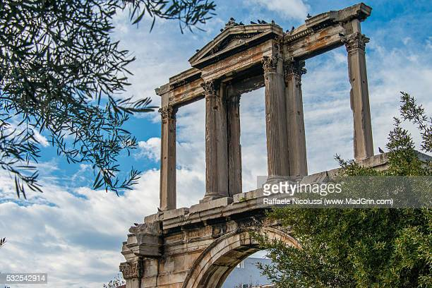 the arch of hadrian - inverno stock pictures, royalty-free photos & images